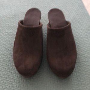 Ugg clogs brown suede